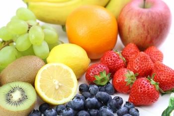 ブルーベリーといちごとレモンとオレンジとキウイとマスカットとりんごとバナナ5-小.jpg